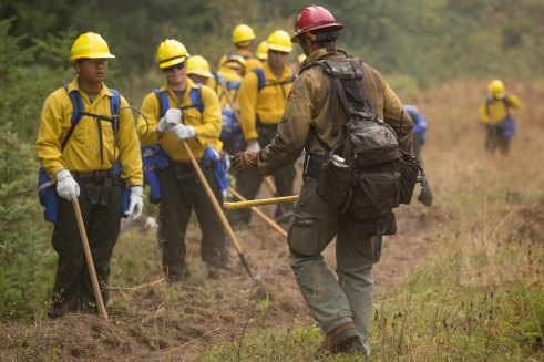 Military Supports firefighting Efforts on Umpqua National Forest